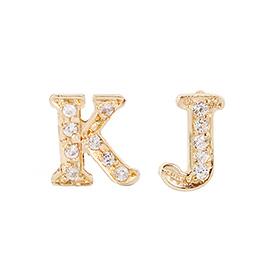 14K / 18K英语一个起始字母耳环立方针(半)一个可用的对